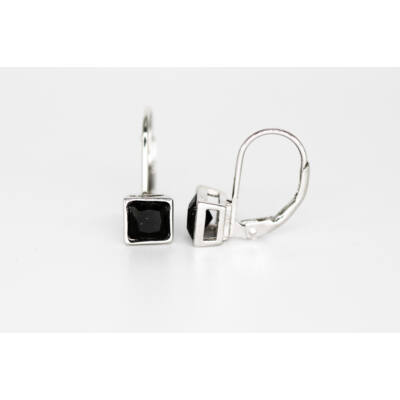 Fekete köves patent záras fülbevaló