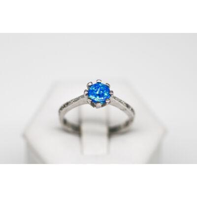 Karmos foglalatú kék opál köves ezüst gyűrű