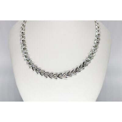 Mutatós ezüst női nyakék