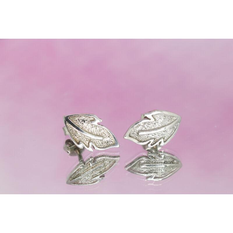Levél alakú beszúrós ezüst fülbevaló