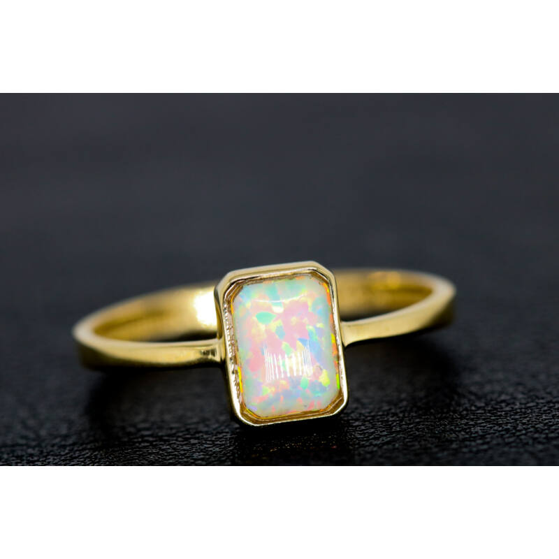 opál köves arany gyűrű