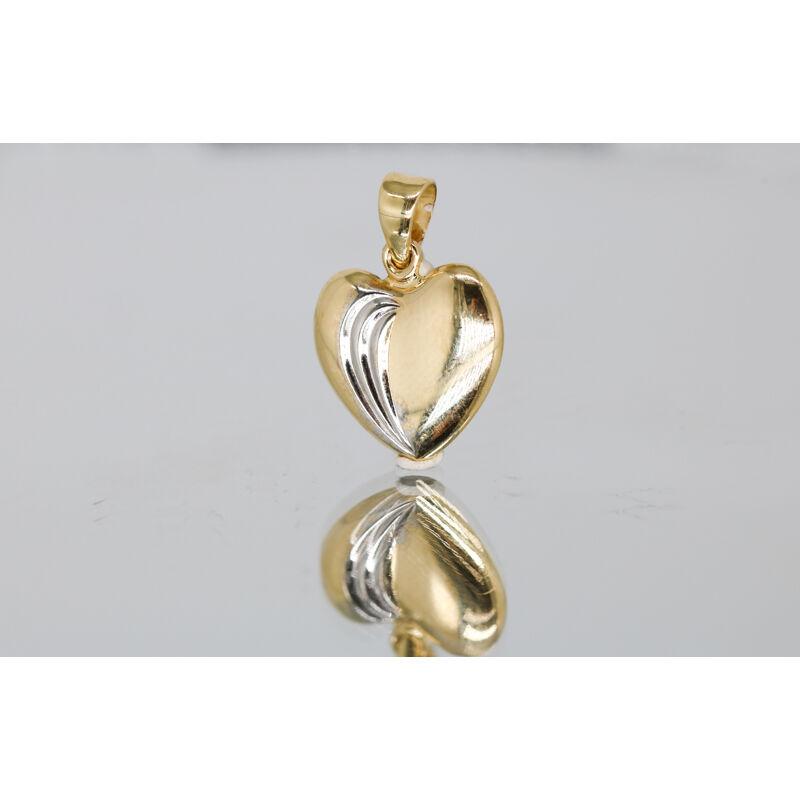 Szív alakú finoman mintázott arany medál