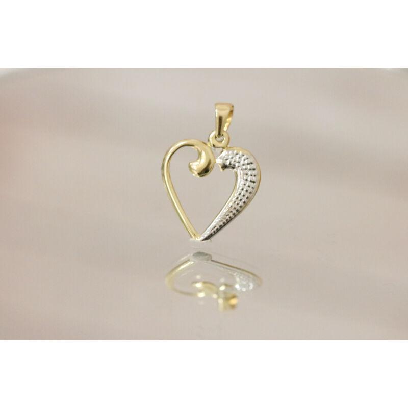 Elragadó arany szív medál
