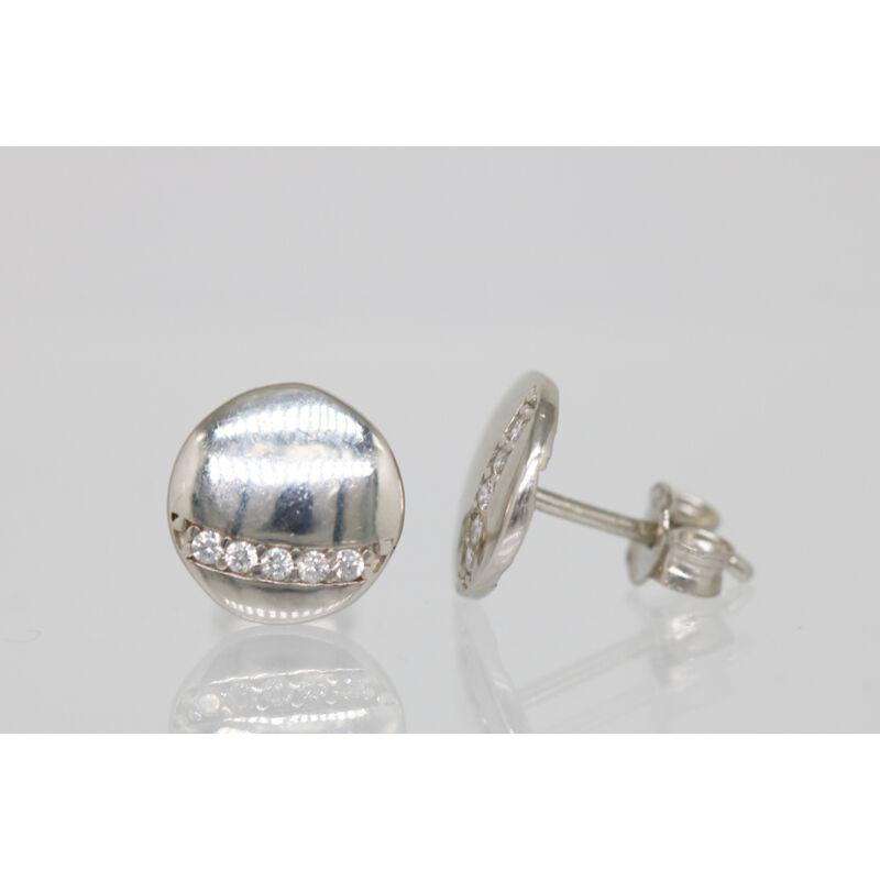 Ezüst korong apró kő díszítéssel