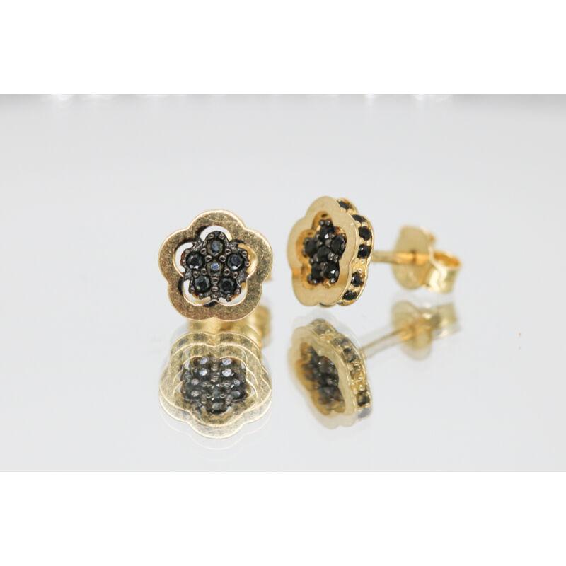 Fekete köves virág alakú arany beszúrós fülbevaló