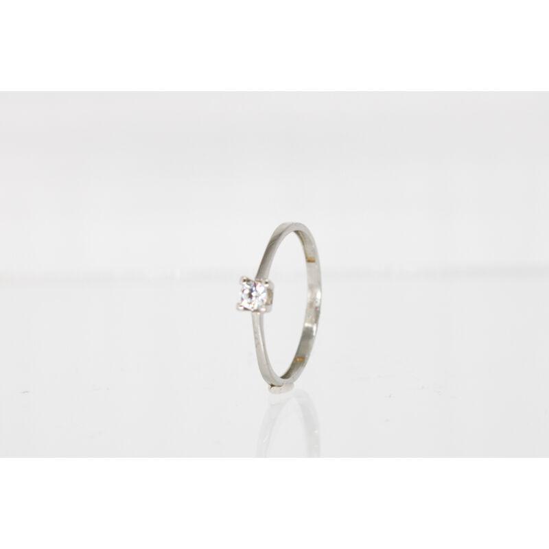 klasszikus fehérarany eljegyzési gyűrű