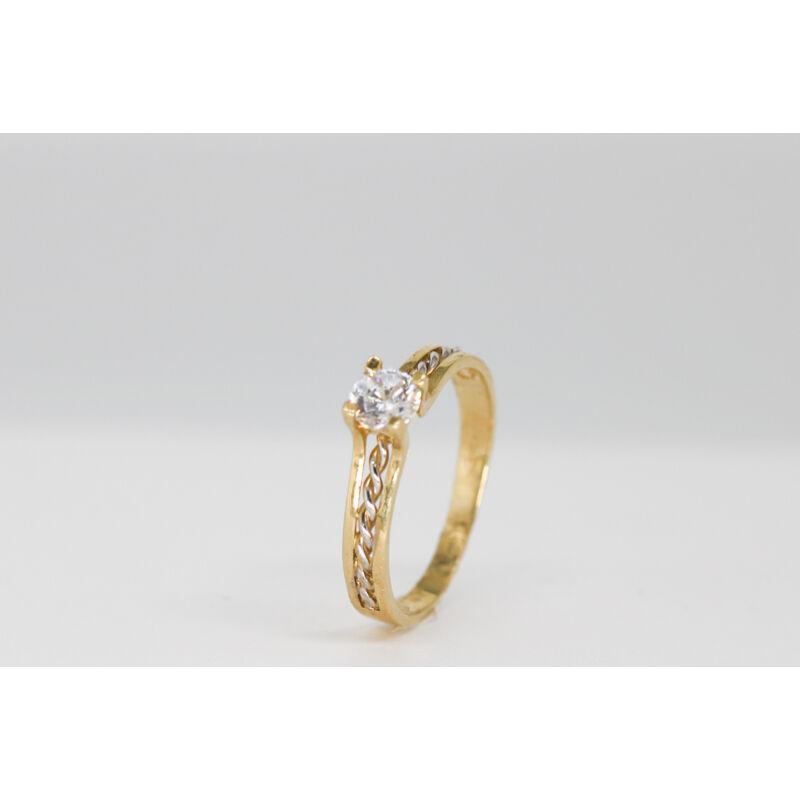 Egyedi arany eljegyzési gyűrű