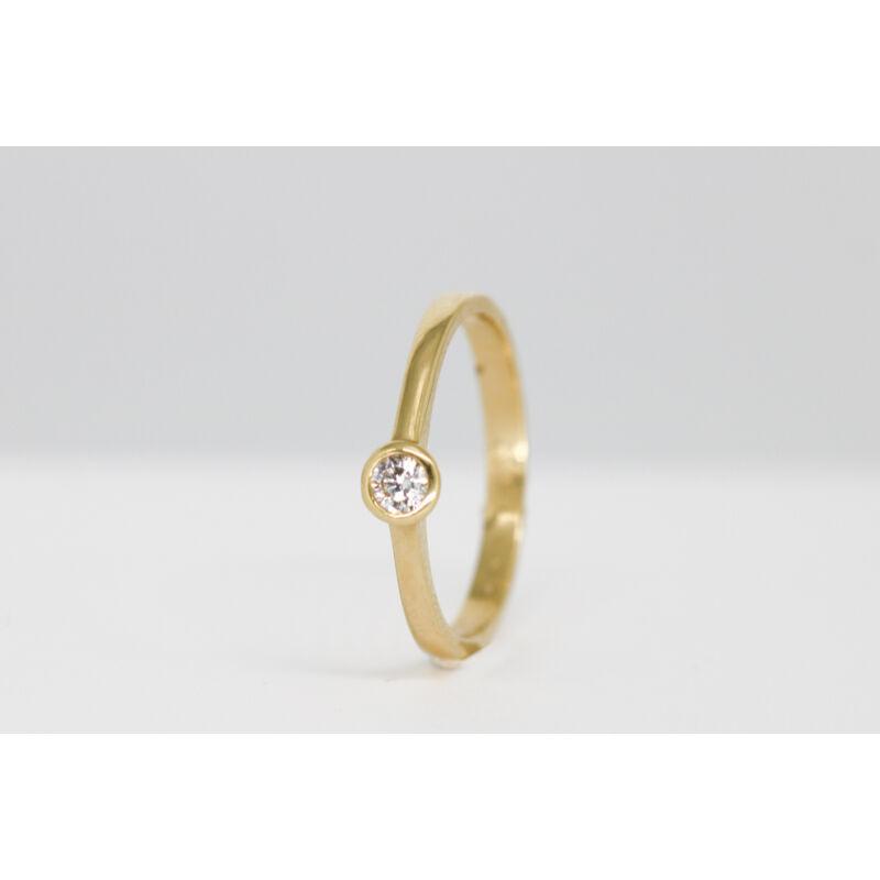 Egy köves arany gyűrű