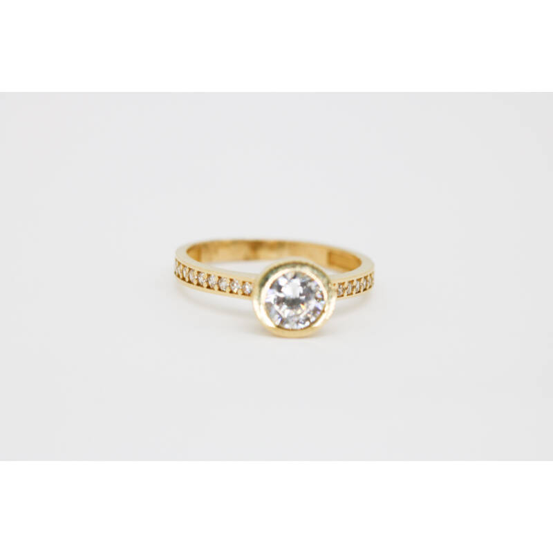 Köves arany eljegyzési gyűrű