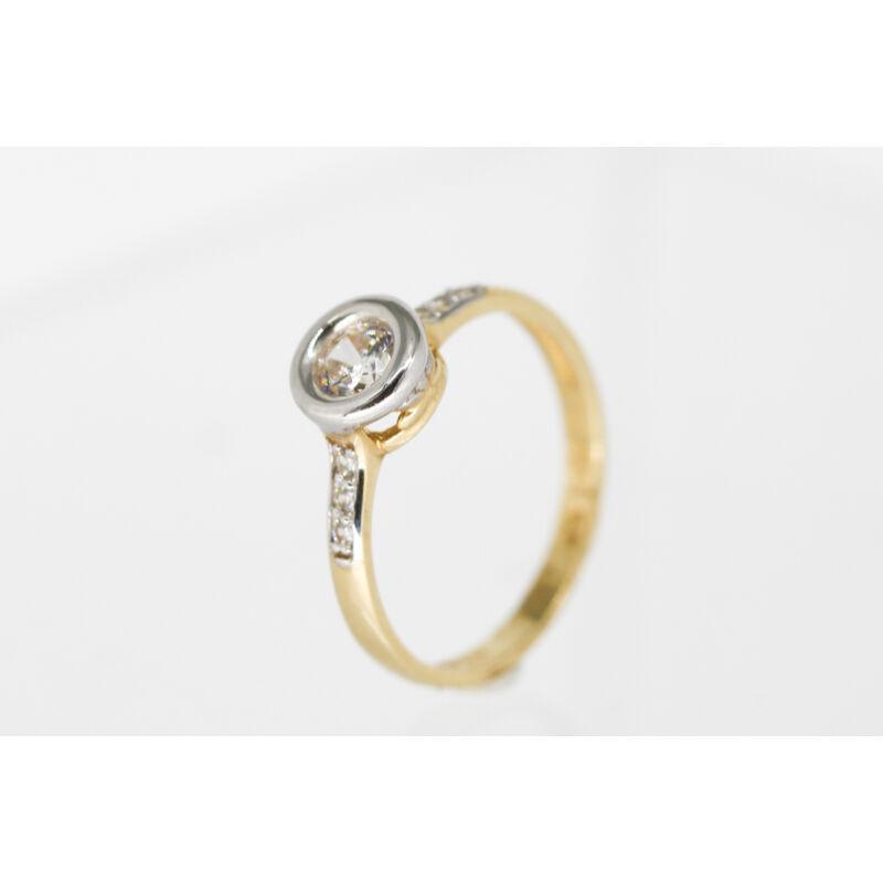 csodás button foglalatú arany eljegyzési gyűrű