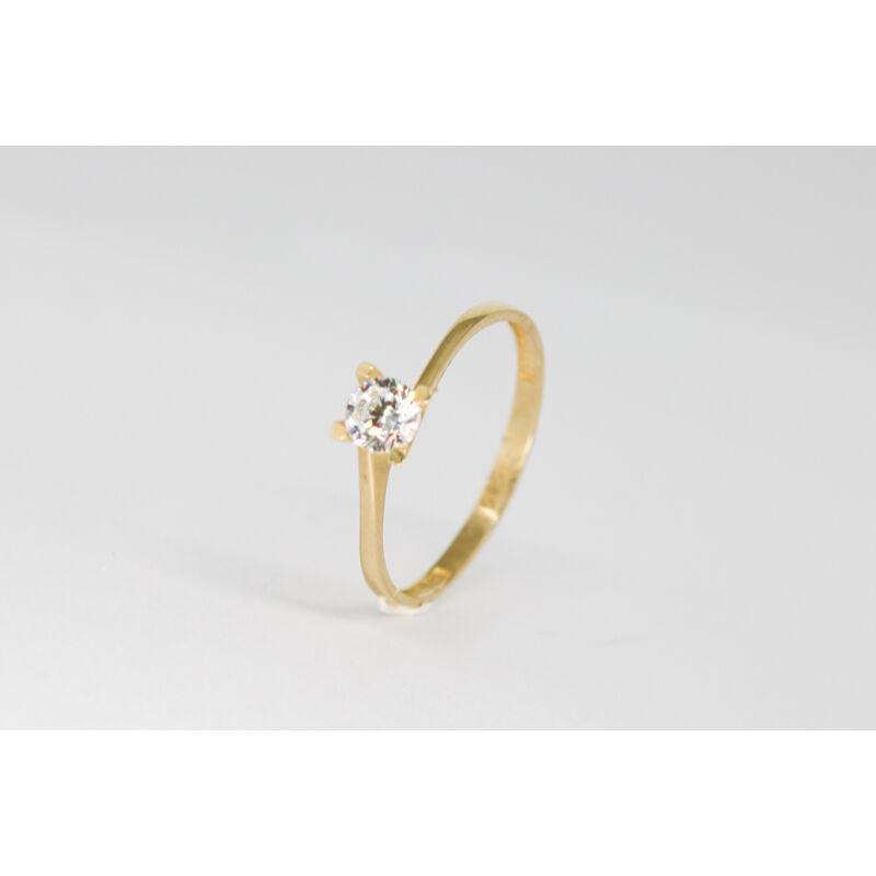Klasszikus arany eljegyzési gyűrű