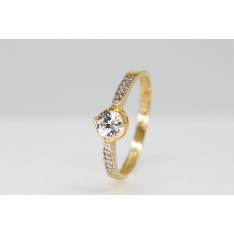 csodaszép arany eljegyzési gyűrű