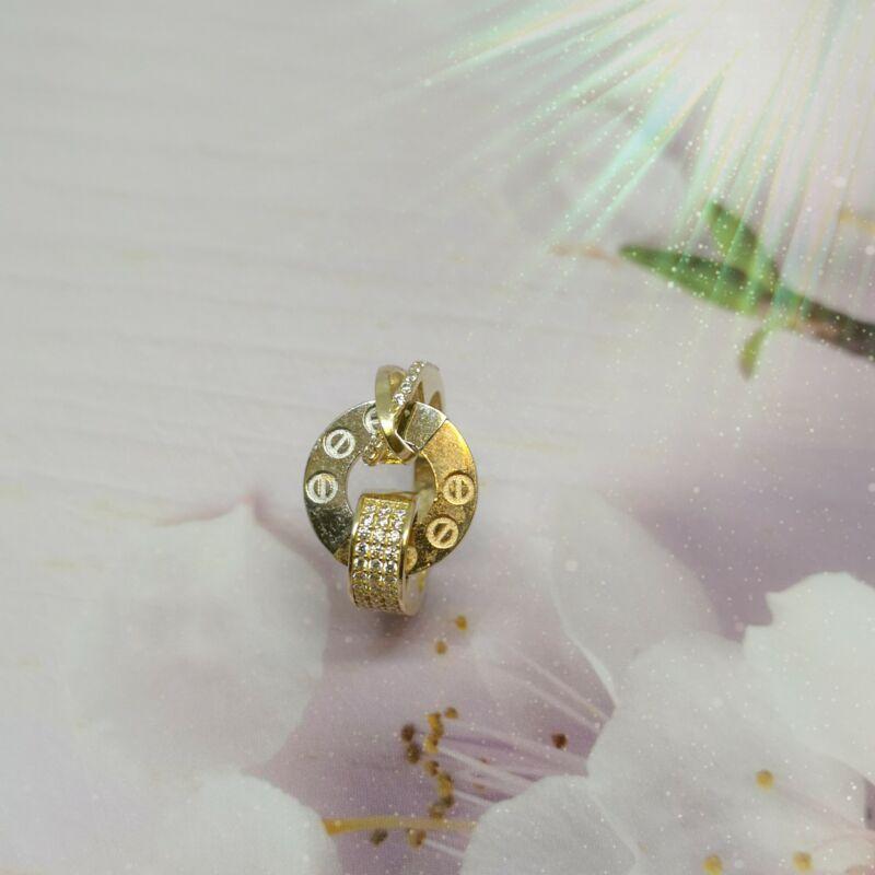 különleges arany gyűrű