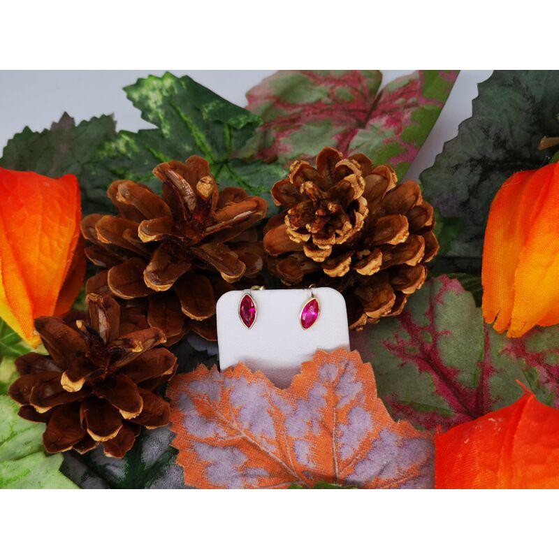 Rubin színű církónia köves fülbevaló, minimál foglalatban