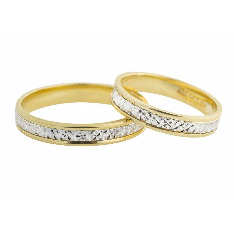 Egyedi vésésű karikagyűrű