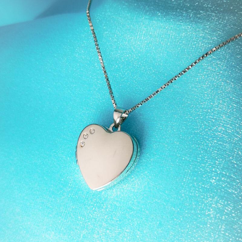 Nyitható köves szív medál